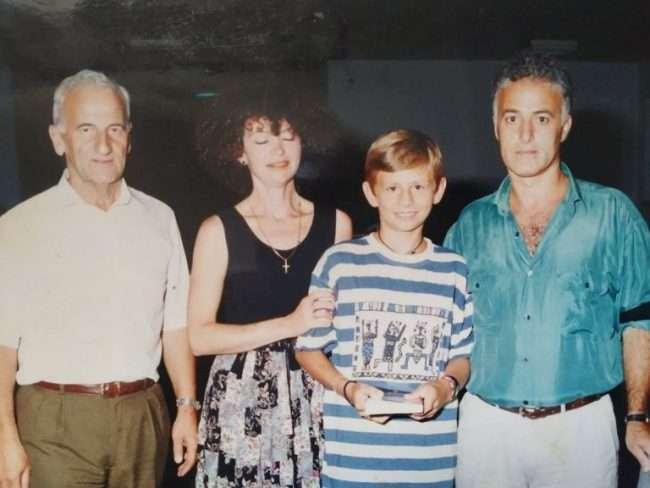 Mirko sa svojom grčkom porodicom