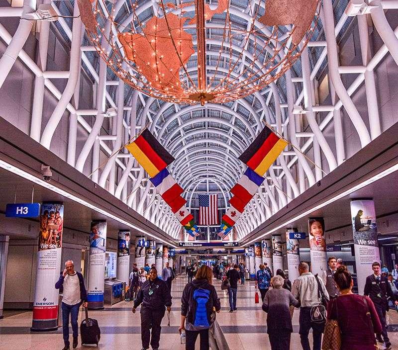 Terminali čikaških aerodroma sada otvoreni samo za putnike i zaposlene