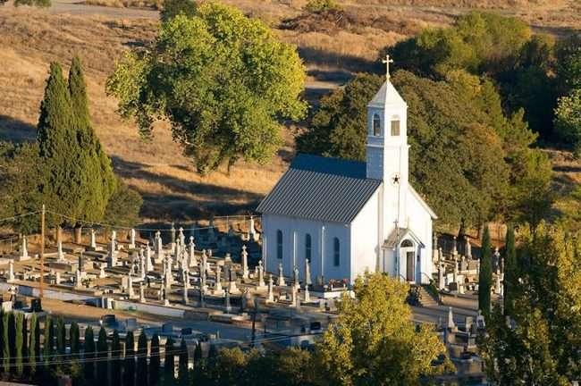 Prva srpska crkva u Americi nalazi se u Kaliforniji Chicago Glasnik