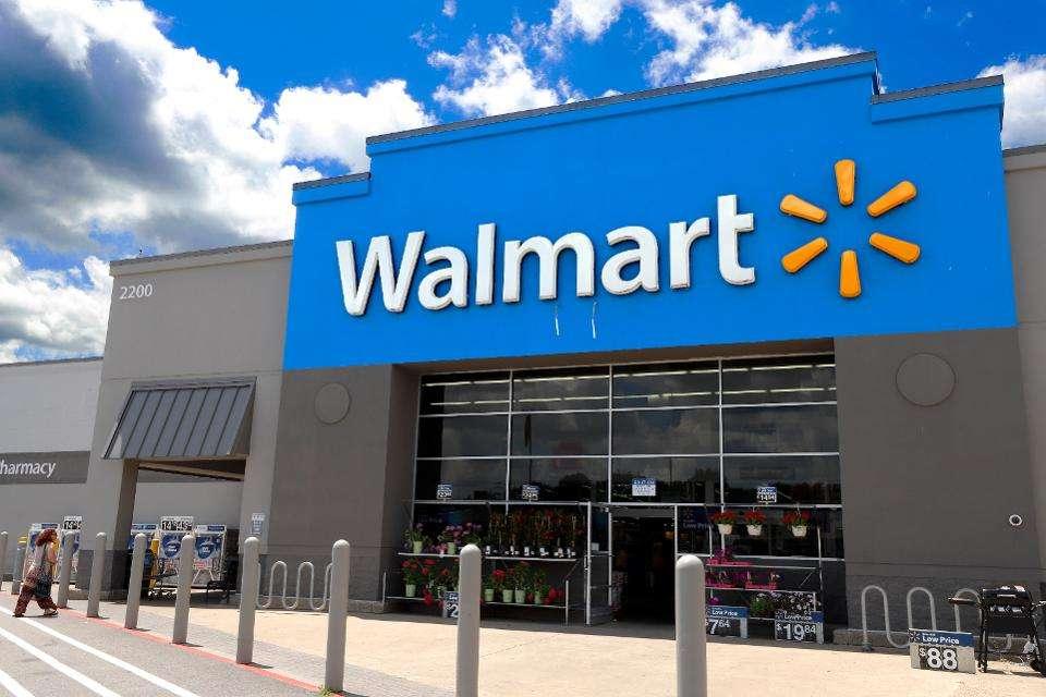 Walmart će podeliti svojim radnicima 428 miliona dolara bonusa!
