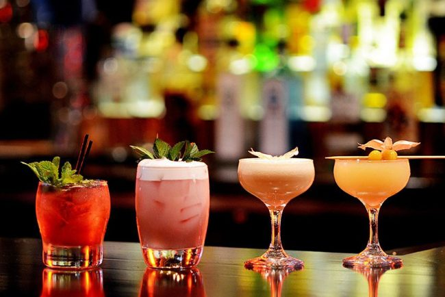 Zašto je starosna granica za konzumiranje alkohola u Americi 21.godina? chicago glasnik