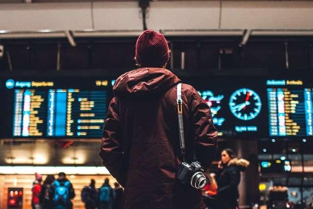 Bajdenova administracija planira da u maju ublaži ograničenja za dolazna putovanja u Ameriku