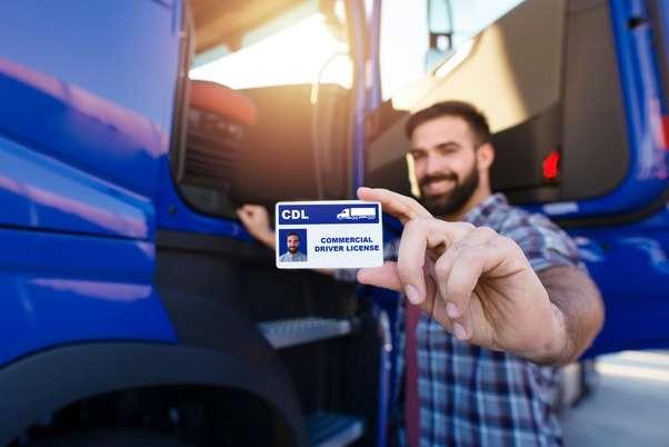 Kako da postanete vozač kamiona u Americi? Evo šta vam je sve neophodno da dobijete CDL