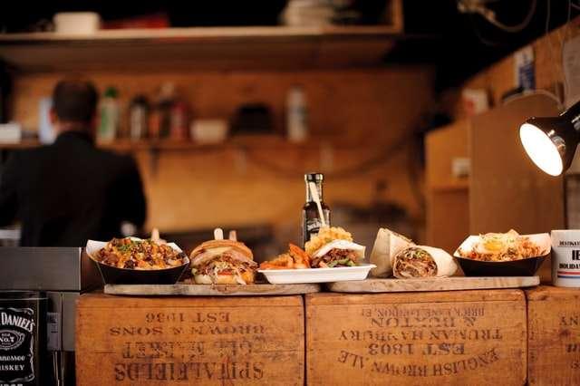 Kako je nastao prvi restoran brze hrane u Americi?