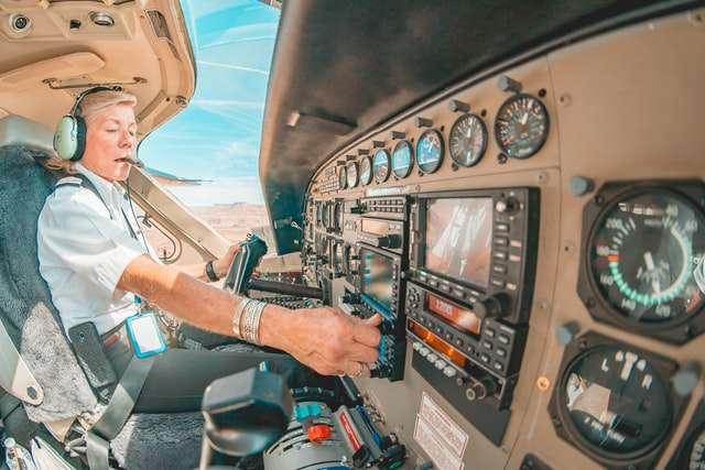 United Airlines želi da obuči i zaposli 5.000 pilota do 2030. godine